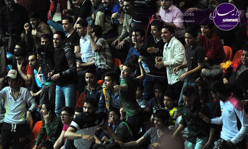 احضار حاشیه سازان به کمیته انضباطی / تماشاگران و لیدرهای پیکان تا اطلاع ثانوی محروم شدند