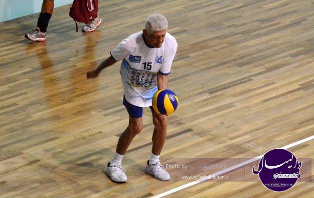 رکورد دار مسن ترین بازیکن والیبال در جهان+عکس