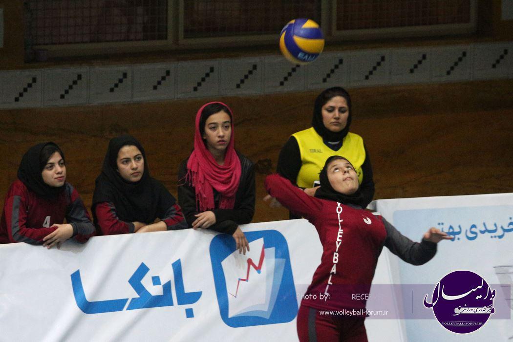رقابت 150 تیم در جشنواره مینی و میدی والیبال دختران +گزارش تصویری