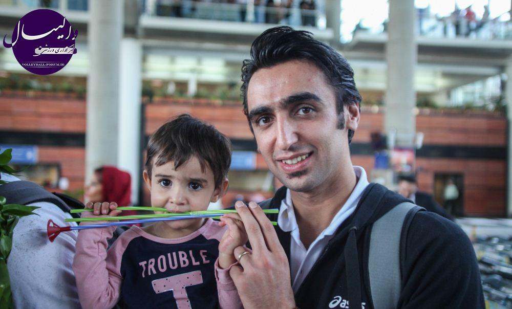 قسمت دوم /گزارش تصویری از مراسم استقبال ملی پوشان در فرودگاه امام !