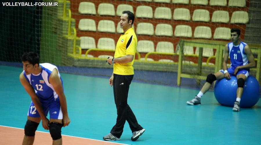 پیمان اکبری : کار بسیار سختی داریم /ولاسکو نظارت مستقیم در تمرینات دارد!