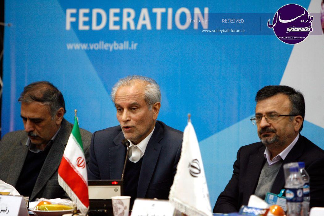 مناظره معاون وزیر و خزانه دار در مجمع والیبال : سجادی ترازنامه مالی ارائه شده، تراز نامه نیست