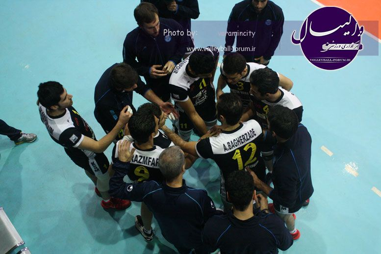 تصویر : http://up.volleyball-forum.ir/up/volleyball-forum/Pictures/matin-aloominiyom-92-09-24-www-varamincity-com-(53).jpg