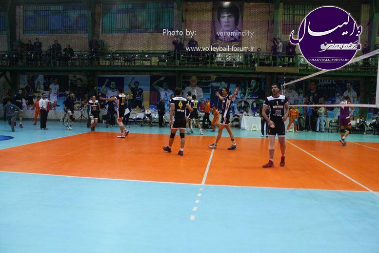 تصویر : http://up.volleyball-forum.ir/up/volleyball-forum/Pictures/matin-aloominiyom-92-09-24-www-varamincity-com-(60).jpg