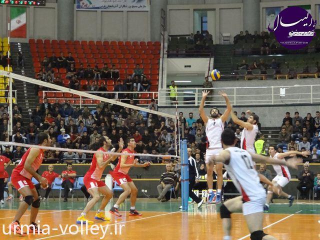 دیدار دوستانه نمایندگان والیبال آذربایجان / شكست شهرداری اورمیه برابر همنام تبريزي !