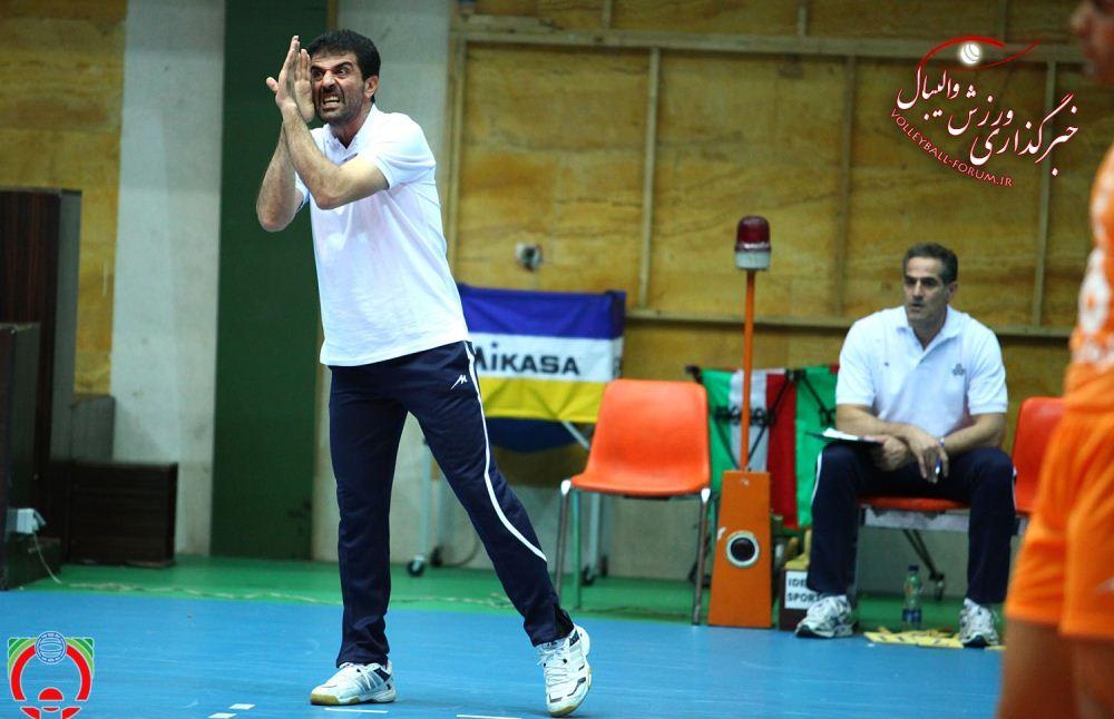 فرهاد نفرزاده :بازیکنانم شادی کردند نه توهین/ فکر میکردیم در خانه متین بازی میکنیم