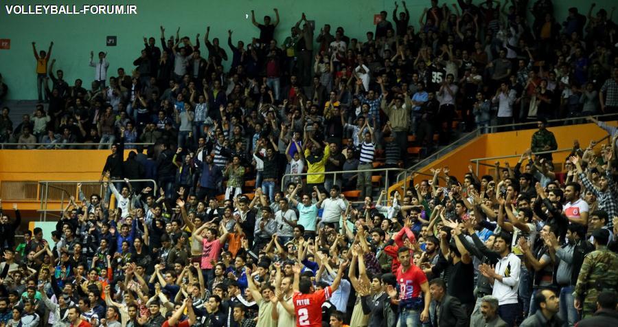 نصف جام در راه ورامین / بی توجهی محض به والیبال و در مقابل تلوزیون در تسخیر فوتبال!!