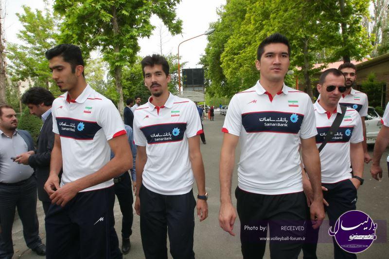 گزارشی از بدرقه ملی پوشان والیبال توسط دو وزیر ورزش و نیرو