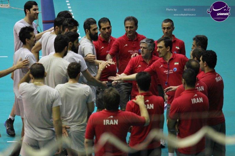 ویدیو / کاروان والیبال ایران وارد برزیل شد