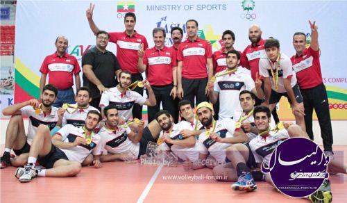 قهرمان آسیا پس از سفری 26 ساعته به تهران می رسد