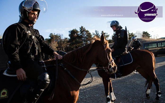 حضور «پلیس اسب سوار» برای تامین امنیت والیبال ایران و آمریکا