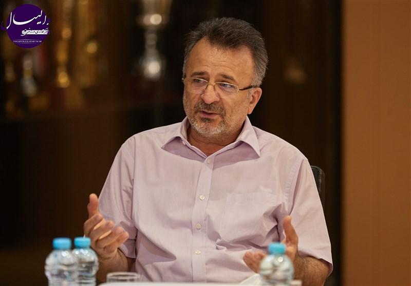داورزنی : استفاده از مربی ایران در مقطع فعلی امکان پذیر نیست !