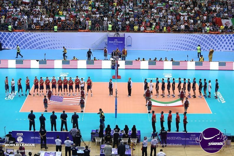 بانوی «ایرانی-آمریکایی» از تجربه تماشای بازی والیبال در ورزشگاه آزادی می گوید