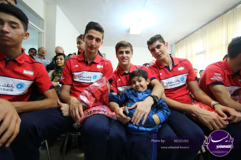 تیم ملی والیبال نوجوانان در جمع کودکان خورشید+عکس