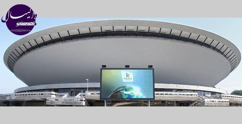 زمین فوتبالی که سالن والیبال خواهد شد